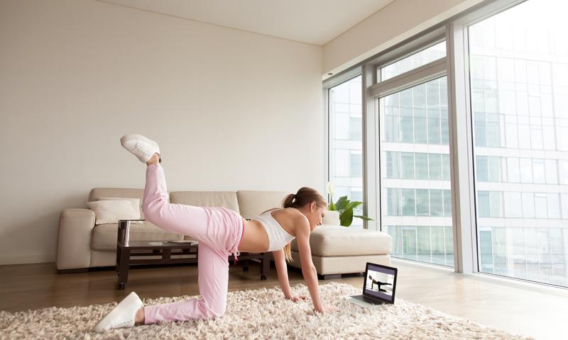 7 Benefits of Online Yoga